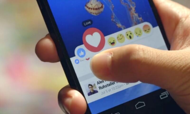 Con los nuevos emojis, ahora podrás expresar lo que sientes ante las publicaciones (Foto: Chris Cox/Facebook)