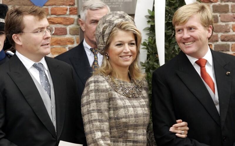 Friso con su cuñada Máxima y su hermano Guillermo, actuales reyes de Holanda.