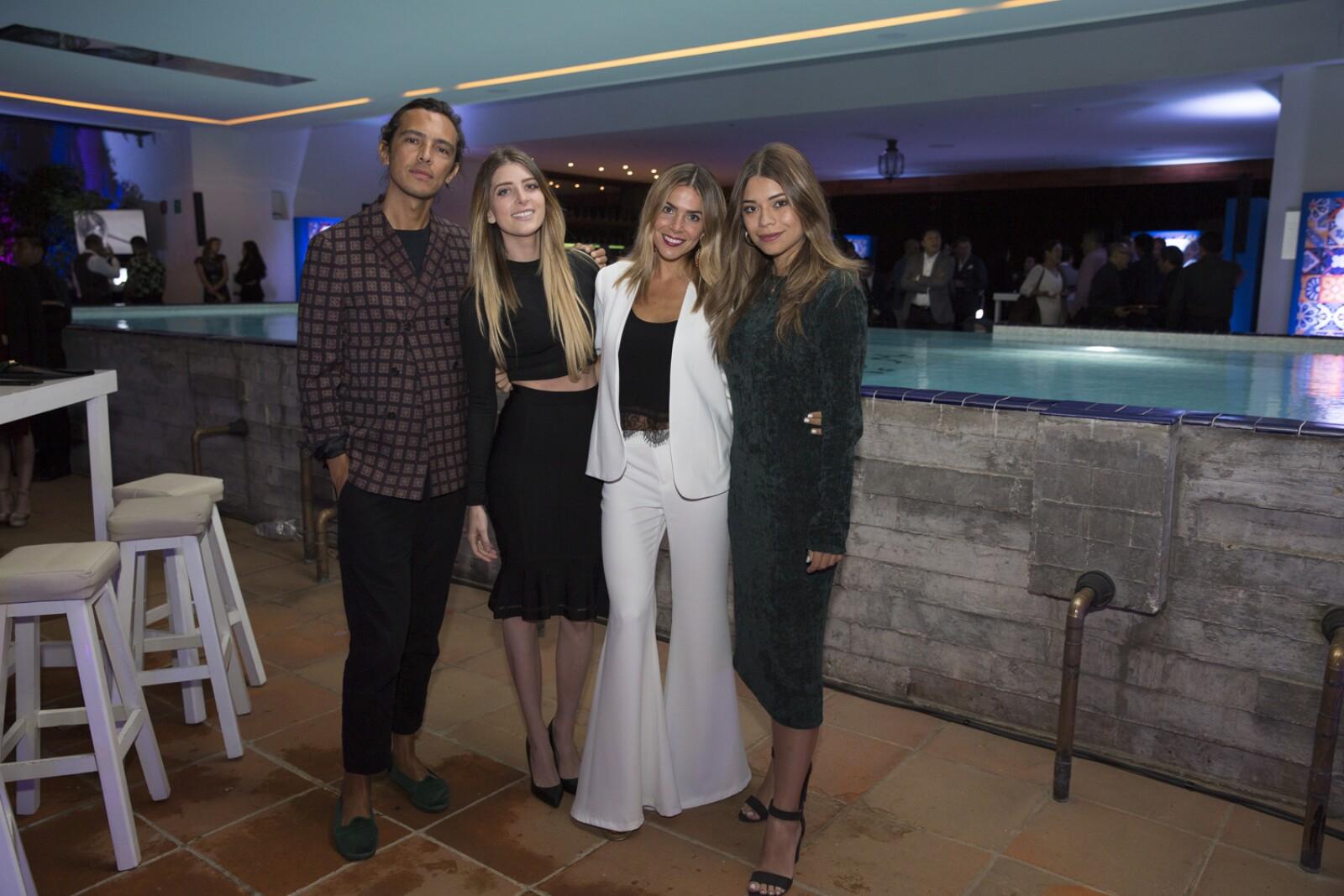 Juan Carlos Gutiérrez, Danielle Clyde, María Renee Molina y Paty Cascar.jpg