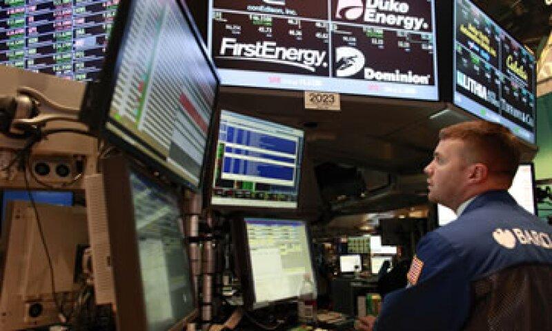 Doce funcionarios indican que quienes invierten en un fondo podrían estar protegidos por un valor de activo neto flotante. (Foto: Reuters)