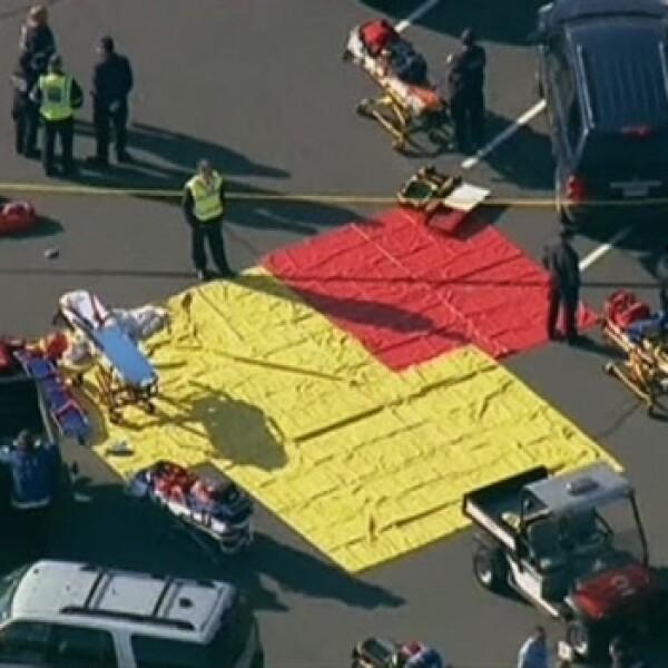paramedicos se instalan en el estacionamiento de sandy park