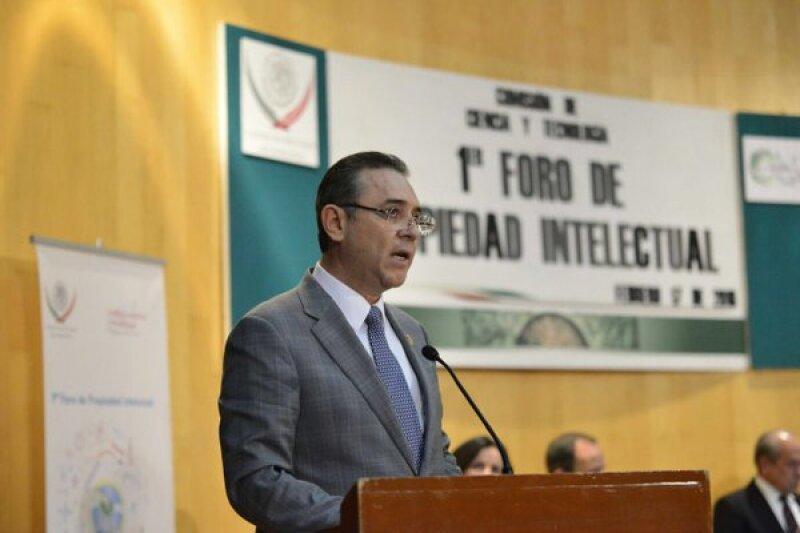 José Bernardo Quezada Salas fue líder de la sección 60 del SNTE y actualmente es diputado federal