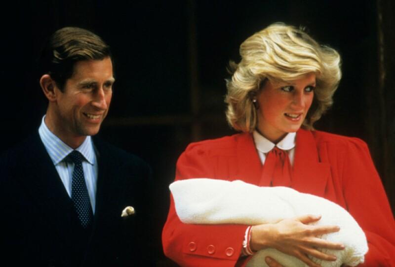 En las dos ocasiones en que tanto Lady Di como Kate han dieron a luz fue en el hospital de St. Marys.