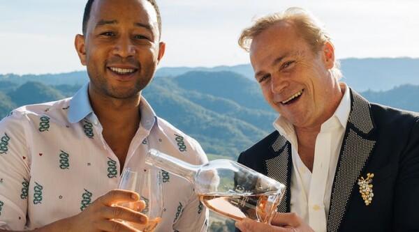john-legend-rose-lve-wine