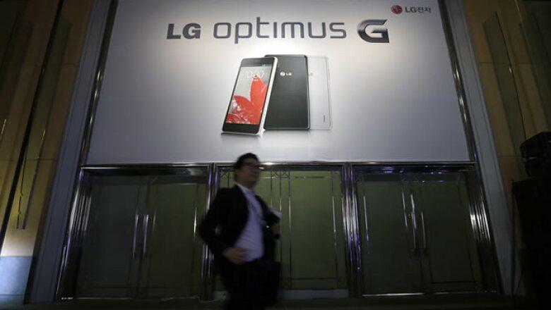 LG lanzará la próxima semana su celular Optimus G con la esperanza de que el nuevo teléfono le ayude a revivir su negocio de aparatos inteligentes.