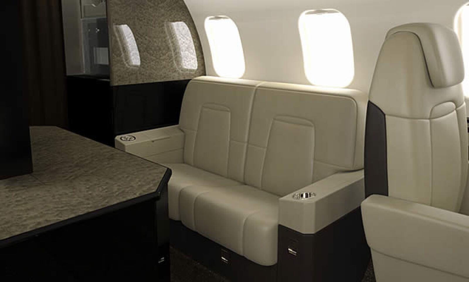 El acomodo de los asientos es variable, hay lugares simples o acomodos especiales según la conveniencia de los pasajeros.
