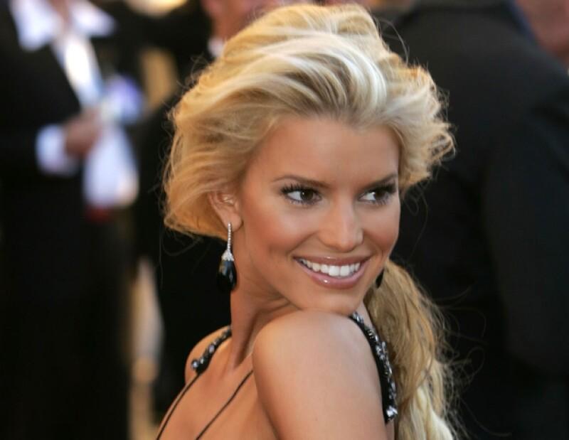 La actriz y cantante ha salido del ojo público pero destacado como empresaria de moda.