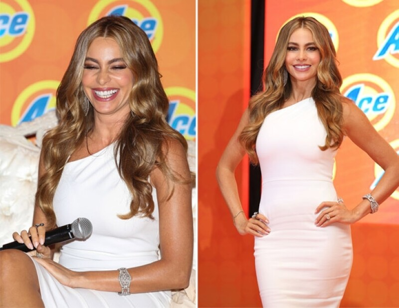 Sofía nunca dejó de sonreír ante la prensa.