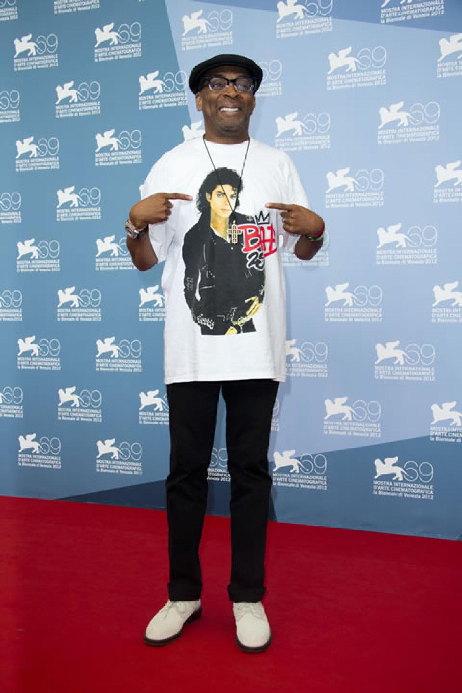 Spike Lee presumió su outfit, en el que aparecía Michael Jackson.