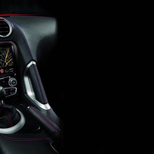 Las actividades del Auto Show americano arrancaron con la presentación de las novedades de Chrysler Group, que presentó el deportivo SRT Viper. Este auto cuenta con un motor V10, de impresionantes 8.4L.