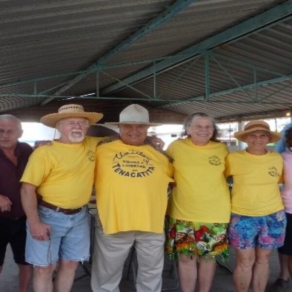 grupo extranjeros en apoyo a playa jalisciense