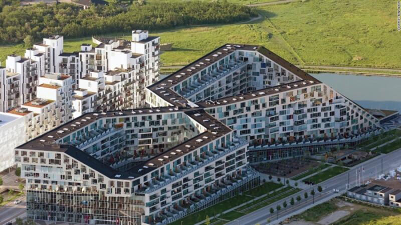 8 House (2007-09) por Bjarke Ingels Group (BIG)  en Copenhagen, Dinamarca