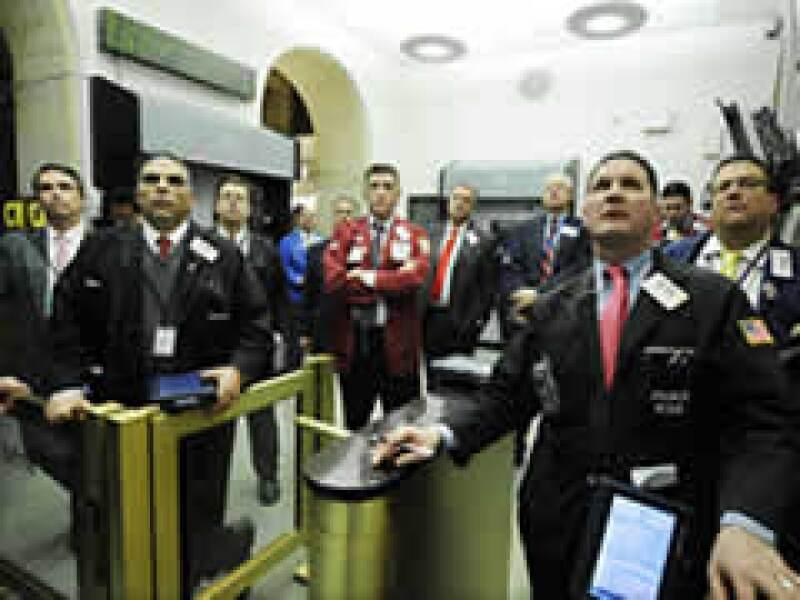 Los operadores de Wall Street vieron con atención el discurso de Obama. (Foto: AP)