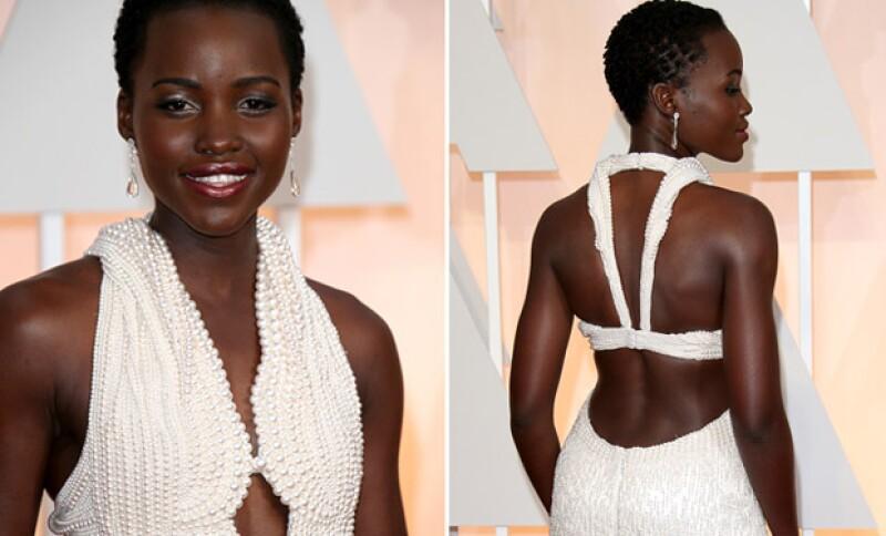 El vestido fue robado mientras Lupita no estaba en su cuarto de hotel.