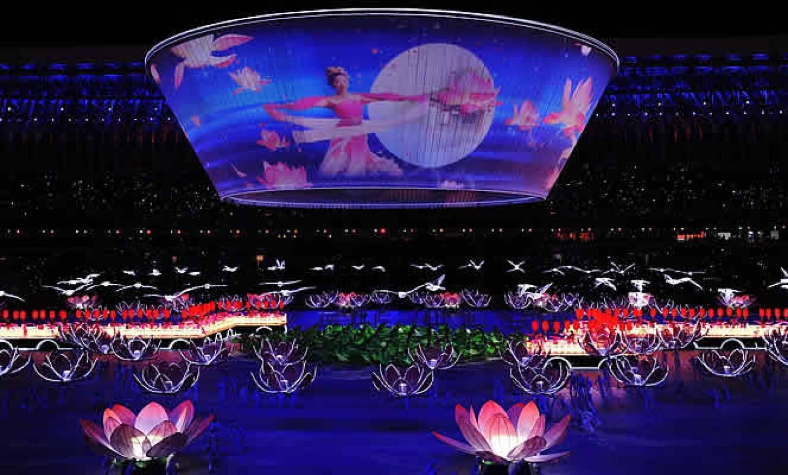 El presidente Hu Jintao inauguró los XI Juegos Deportivos Nacionales de China, en los cuales participan 10 mil 991 competidores, una cifra récord de atletas con el reto de lograr avances en las disciplinas colectivas camino a la cita olímpica de Londres 2