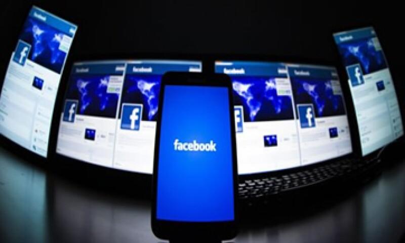 Los ingresos de Facebook por publicidad móvil crecieron en 75% en el segundo trimestre del año.  (Foto: Reuters)