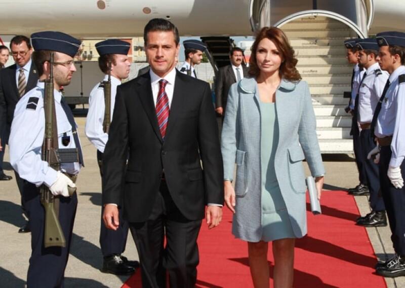 Portugal y el Vaticano son los destinos de su gira por Europa antes de su reunión con Don Juan Carlos I de Borbón. La primera dama acertó con su atuendo a su llegada a Lisboa.