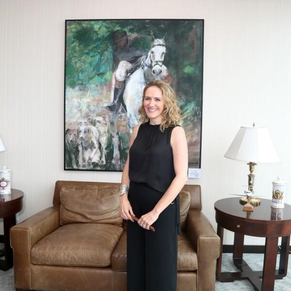 Exposición de cuadros de polo y caballos de Nieves Guerra Cosio