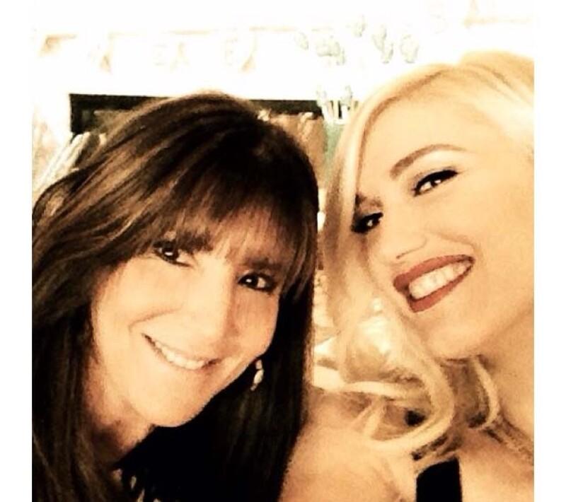 Gwen Stefani se tomó una foto con la anfitriona de su Baby Shower.