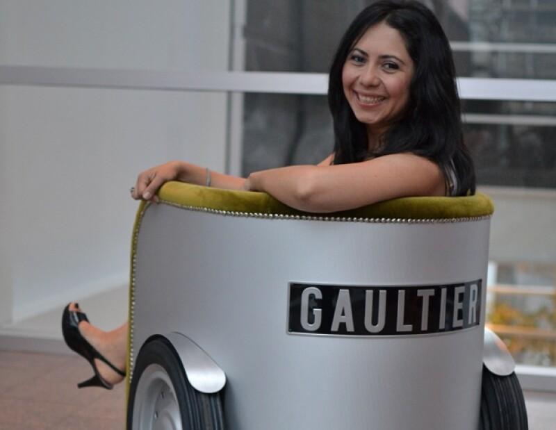 Mayra es su más reciente entrevista a Jean Paul Gaultier en Montreal.