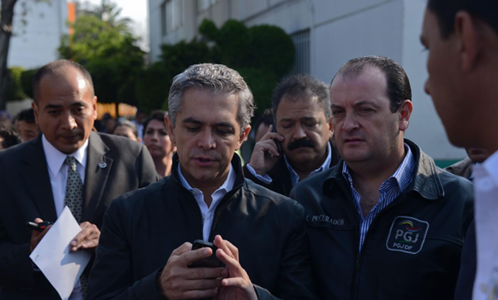 El jefe de Gobierno del DF, Miguel Ángel Mancera, reportó que algunas zonas se encontraban sin energía eléctrica.