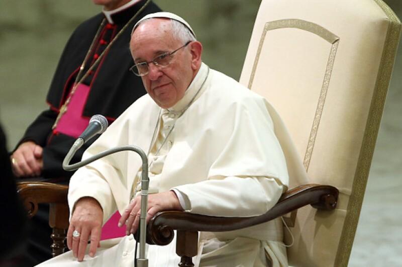 """El Papa considera que si hubiera pasado por México, no hubiera podido visitar a la Virgen de Guadalupe, lo cual sería """"una bofetada para el país""""."""