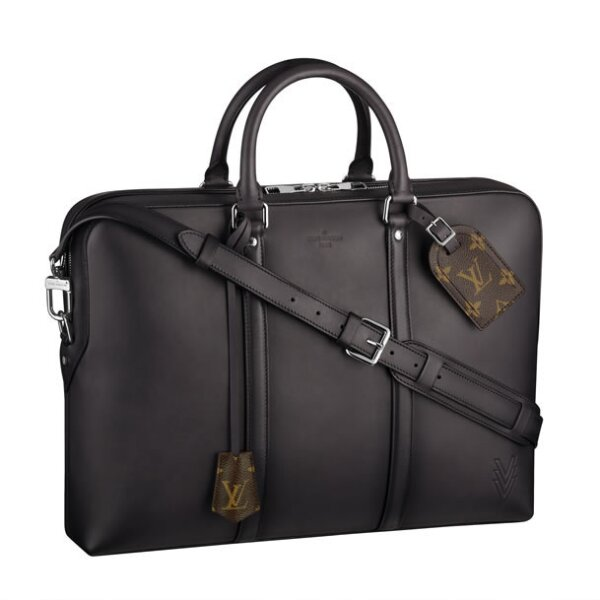 Porte-Documents Voyage GM. $80,480, precio aprox. Boutique Masaryk.