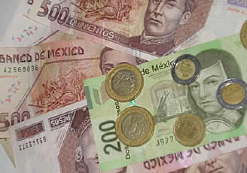 El peso mexicano podría alcanzar una cotización debajo de 12 unidades por dólar. (Foto: CNNExpansión.com )