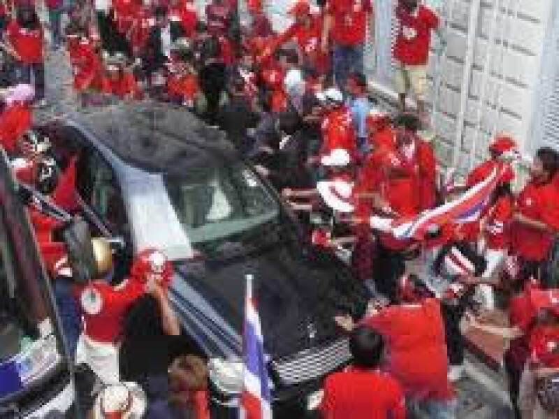 Manifestantes ingresaron al Ministerio del Interior. (Foto: Reuters)