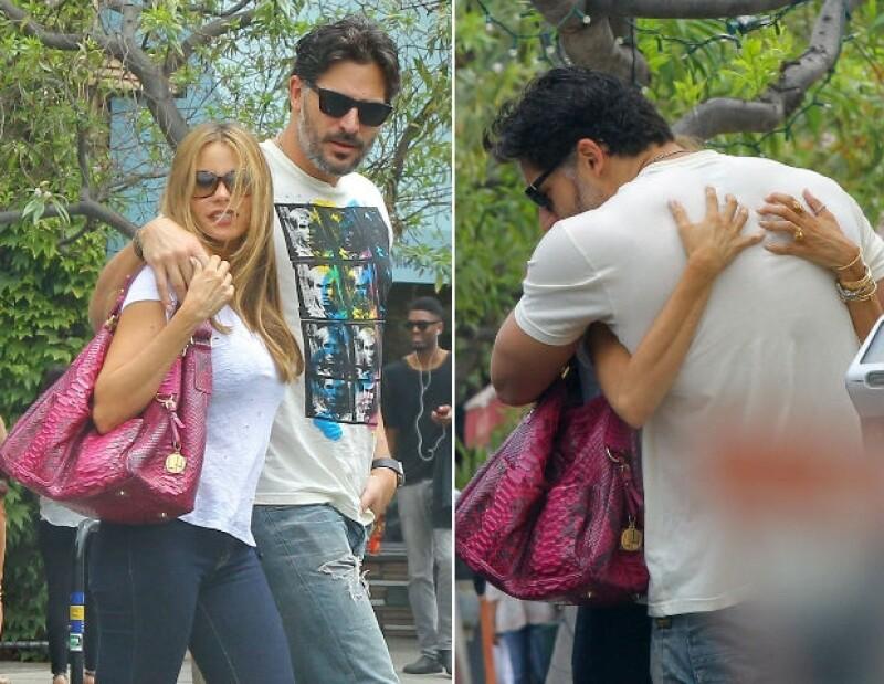 Sofía y Joe pasearon por Beverly Hills como toda una pareja muy enamorada.