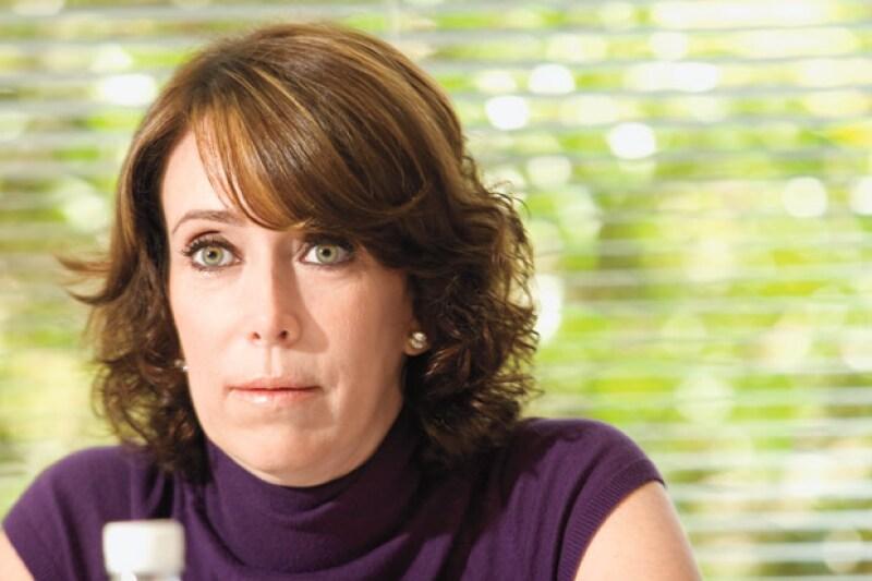 La empresaria aseguró que el periodista Joaquín López-Dóriga se puso en contacto con ella para que desista de las acusaciones de extorsión hacía su esposa, reportó el diario Reforma.
