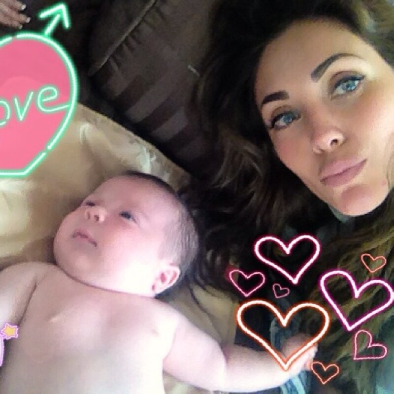 Anahí compartió esta imagen de su nuevo sobrinito.