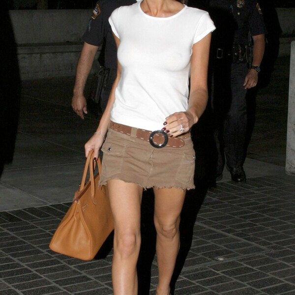 VICTORIA BECKHAM IN LOS ANGELES, AMERICA - 12 MAY 2004