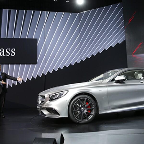 Mercedes-Benz presentó el S63 AMG Coupé en Nueva York.