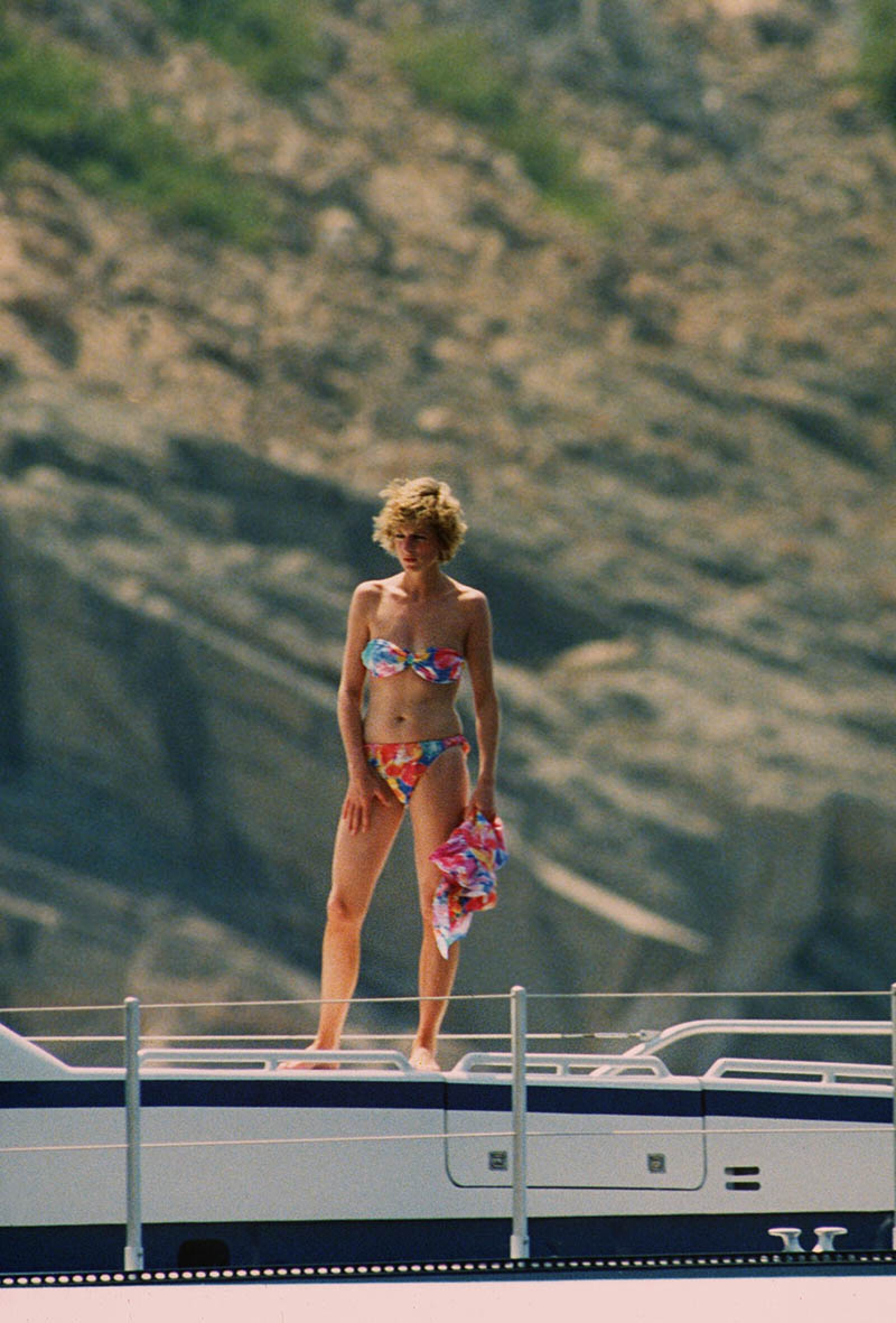 PRINCE CHARLES AND PRINCESS DIANA ON HOLIDAY  WITH THE FAMILY, MAJORCA, SPAIN - 1988