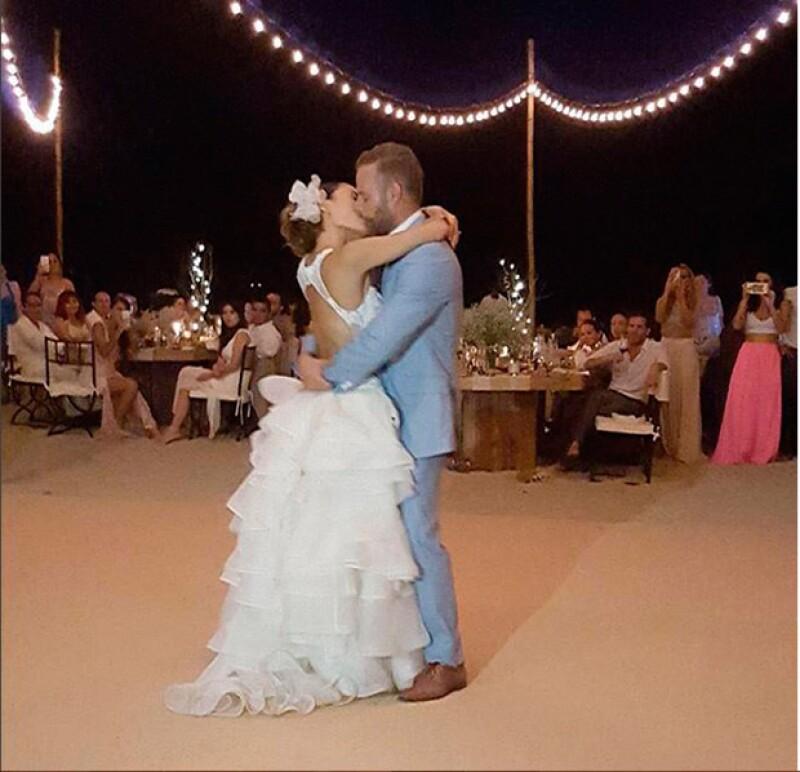 Marimar y Luis Ernesto se casaron acompañados de familiares y amigos, quienes compartieron fotografías de tan bello momento.