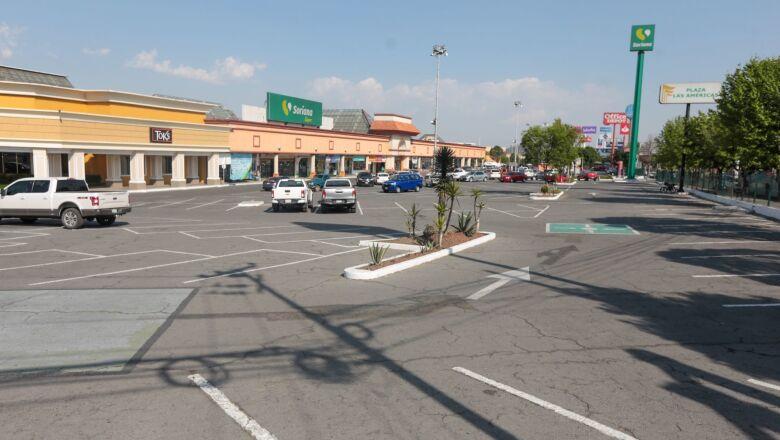 Endurecen medidas de prevención ante COVID-19 en el Edomex cerrando negocios como cines, centros comerciales, tiendas departamentales entre otros.