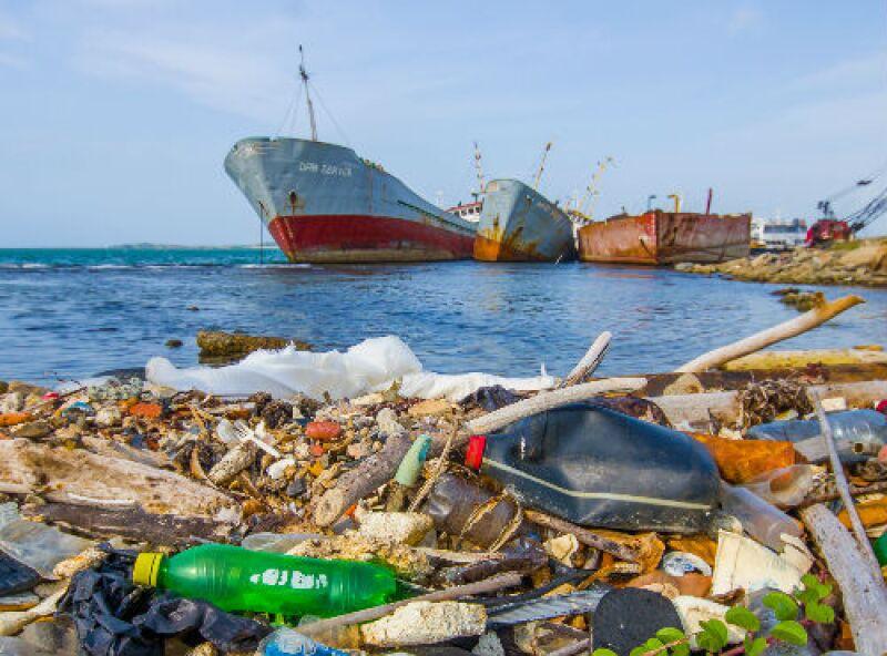 contaminaci�n de mar con pl�sticos