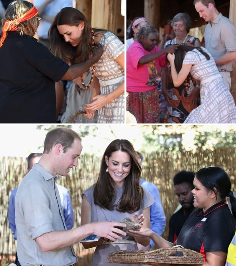 Los Duques fueron recibidos con varios regalos representativos de la cultura tanto en el Centro como en la Academia.