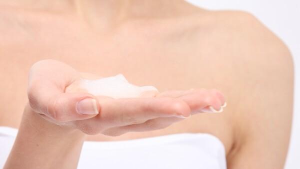 Usa crema con base de aceite durante el invierno.