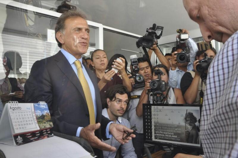Miguel Ángel Yunes quiere cero deudas.