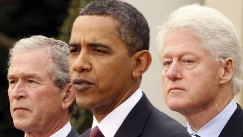 El pasado sábado, Barack Obama, presindente de Estados Unidos, instó a las naciones para que ayuden al país caribeño, a su vez, los ex mandatarios de EU, George W. Bush y Bill Clinton unieron sus fuerzas para poder recaudar fondos para la reconstrucción d