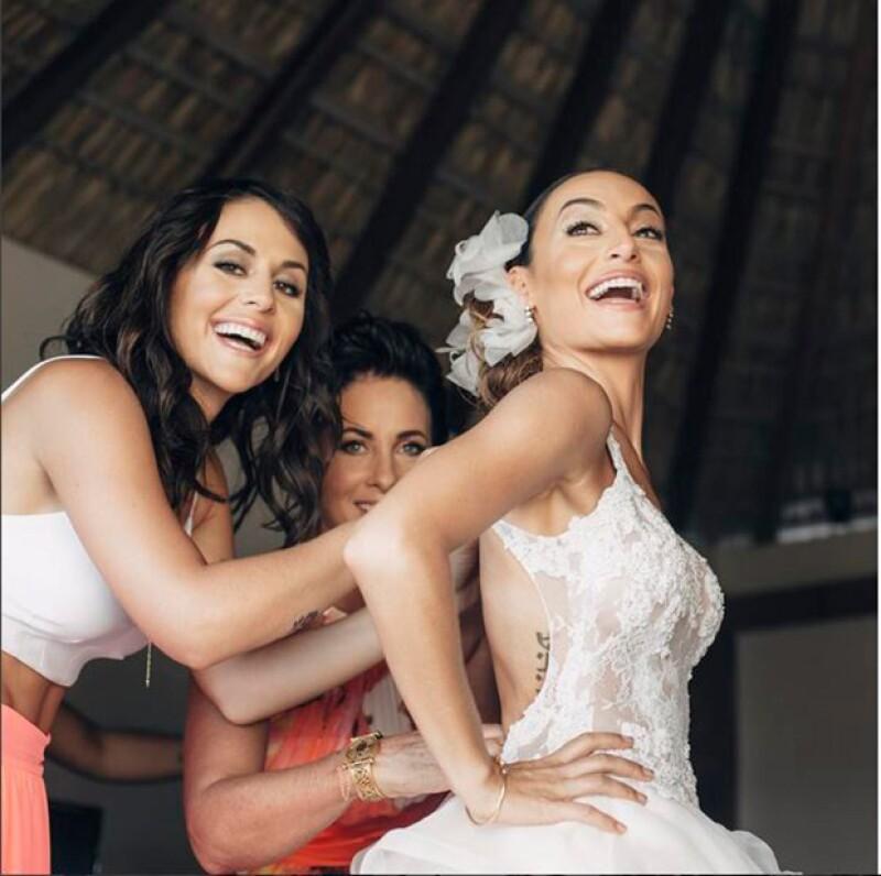 La cantante recordó en redes sociales su boda ocurrida hace cuatro meses, al tiempo que suenan rumores de una posible incorporación a Televisa.
