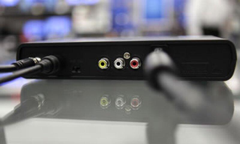 Con la transición a la Televisión Digital Terrestre (TDT) se debe despejar la banda de 700 MHz que ahora alberga 13 canales de televisión abierta. (Foto: AP)