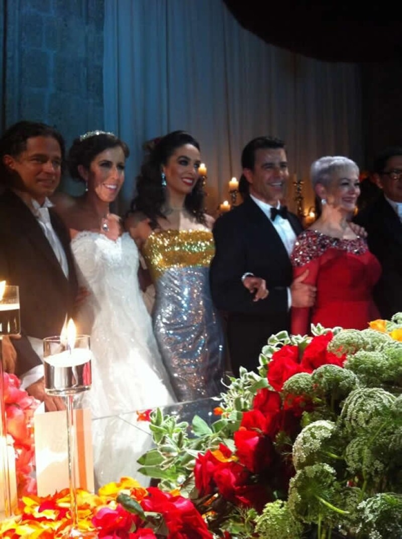 Chacho Gaytán y Mariana García duraron 5 años de novios. Aquí en la recepción con Bibi y Eduardo Capetillo.