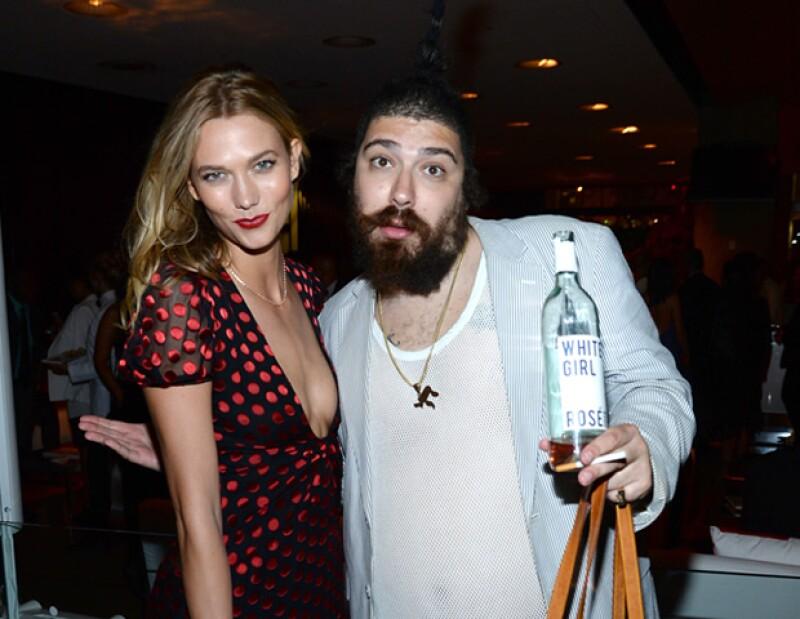 Josh Ostrovsky, mejor conocido como The Fat Jewish, es querido en la industria de la moda. Se retrató con Karlie Kloss en la premiación de la CFDA, los Oscar de la moda.