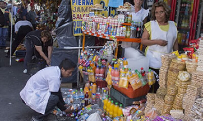 El BID señala que la informalidad en la economía y las deficiencias en estructuras son un obstáculo para América Latina. (Foto: Cuartoscuro)