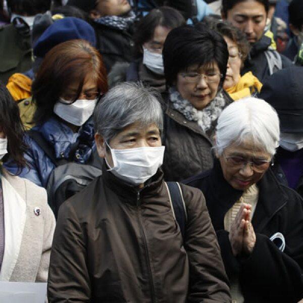 Los japoneses se ganaron la admiración mundial por su compostura, disciplina y resistencia ante el desastre.