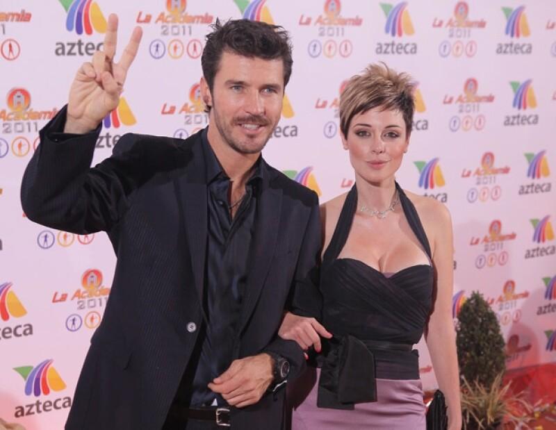 Leonardo García y Lia Ferré mostraron todo su estilo y glamour en la alfombra.