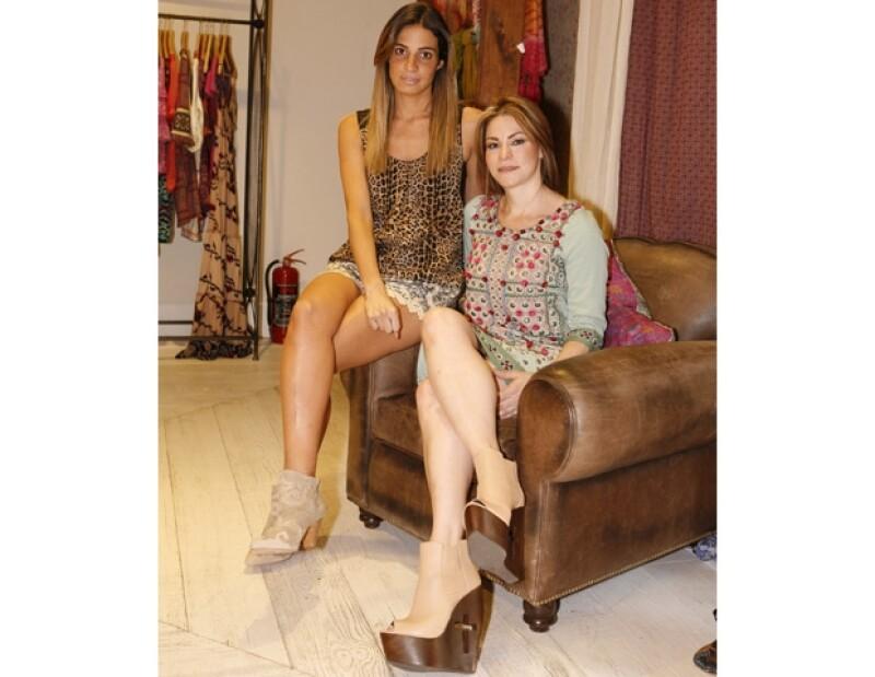 Las embajadoras de Rapsodia Andrea Torre, Aislinn Derbez y Andrea Wade, junto con sus progenitoras o abuelitas, compartieron sus secretos de moda en una tarde de té.